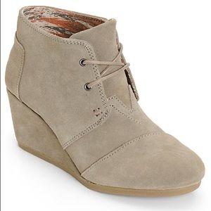 NWOT Toms Taupe Wedge Heel Booties Sz 12